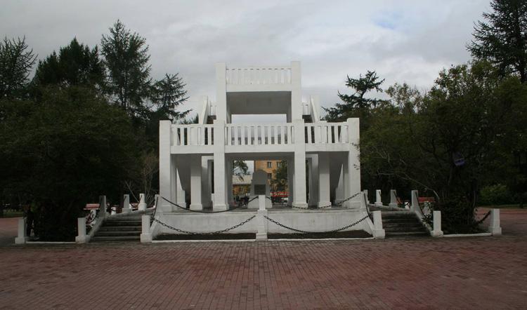 Памятник жертвам интервенции 1918-1920 гг