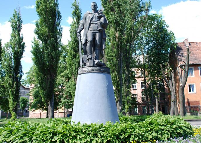 Резные памятники Советск, Калининградская обл. надгробие александра второго в петербурге