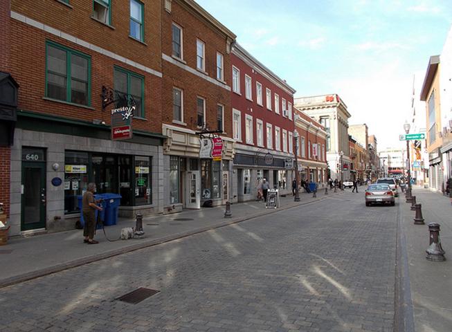 Улица St-Jean-Baptiste