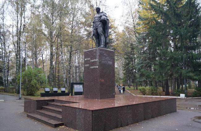 Памятник павшим воинам-землякам