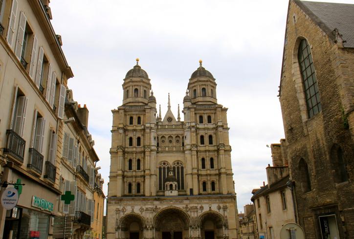 Церковь Нотр-Дам-ди-Дижон