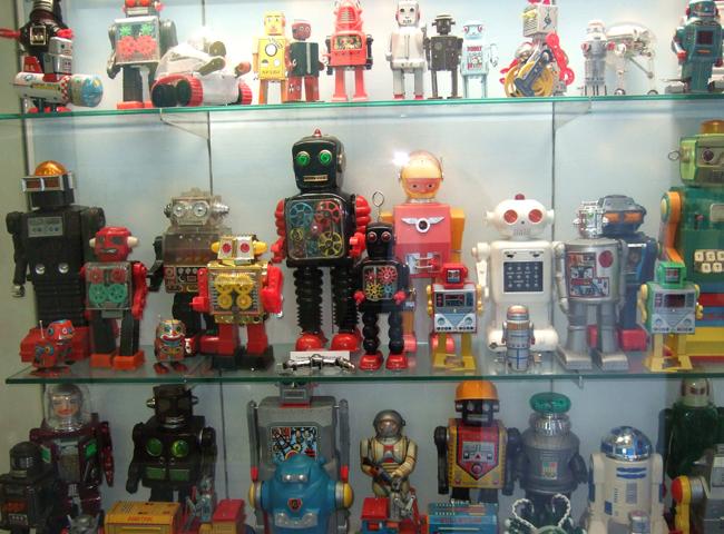 Внутри музея игрушек