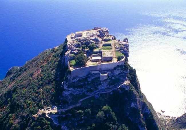 Замок Ангелокастро