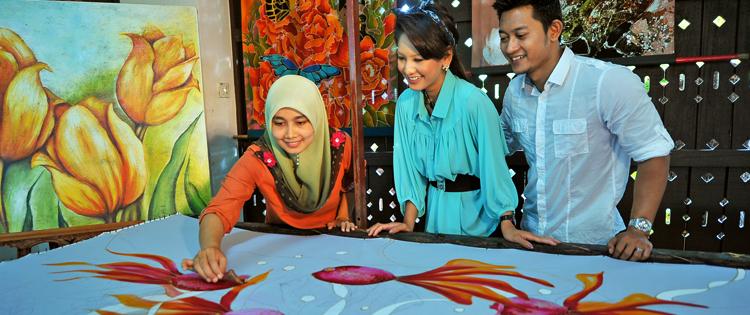 Деревня древнего искусства росписи по батику
