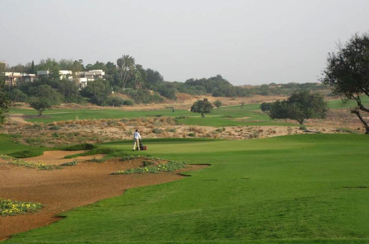 Международный гольф-клуб