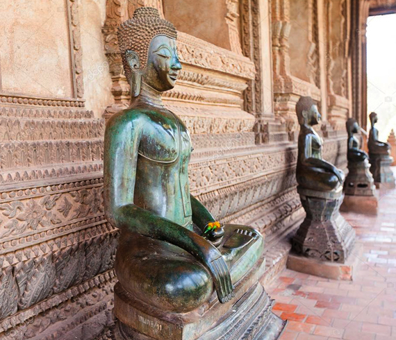 Внутри музея Будды
