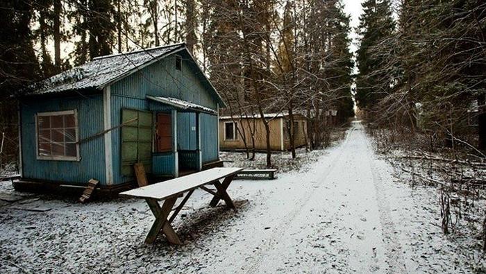 Заброшенный лагерь для пионеров «Искра»