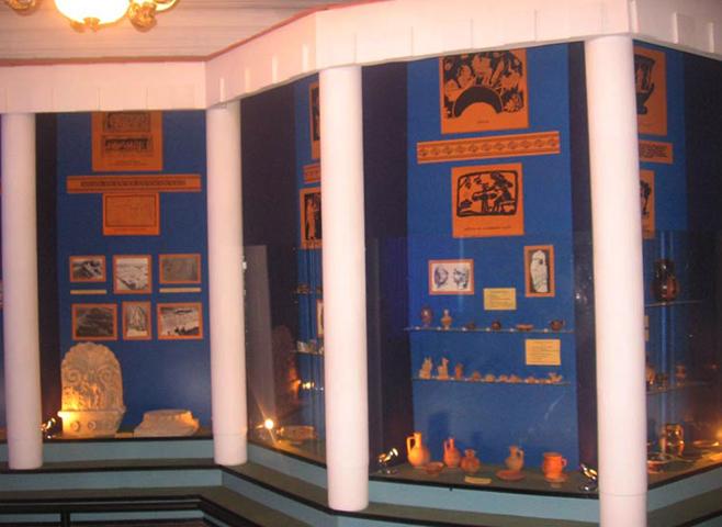 Внутри музея истории и археологии