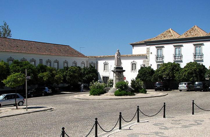 Епископский дворец