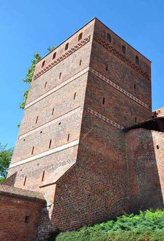 «Пизанская» башня