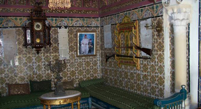 Внутри музея Дар Эссид