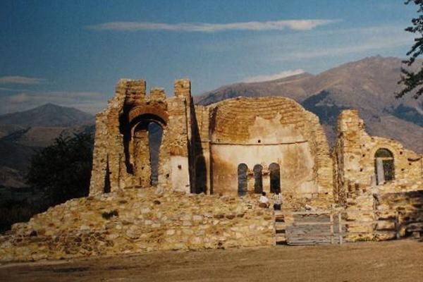 Древний храм святого Ахиллеса