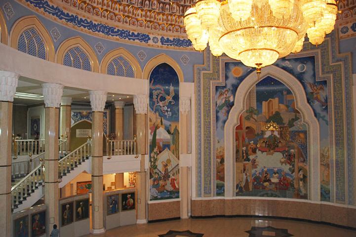 Внутри музея Амира Темура