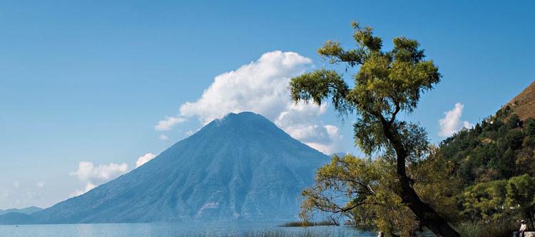 Вулкан Атитлан