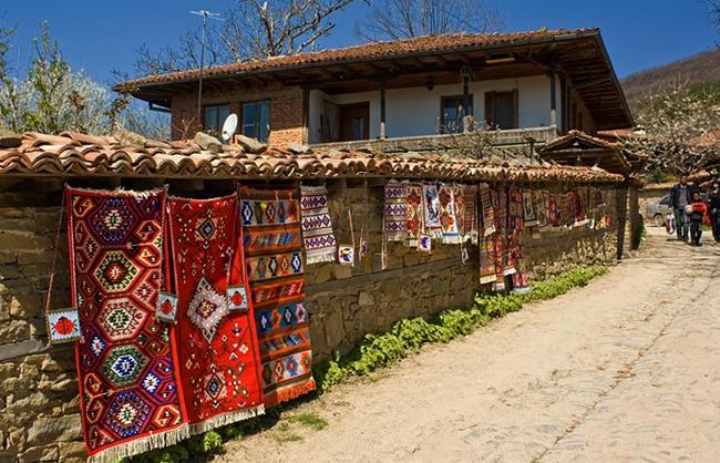 Село Журавна