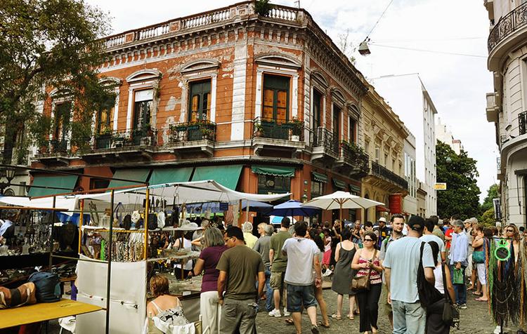 Блошиный рынок Сан-Тельмо