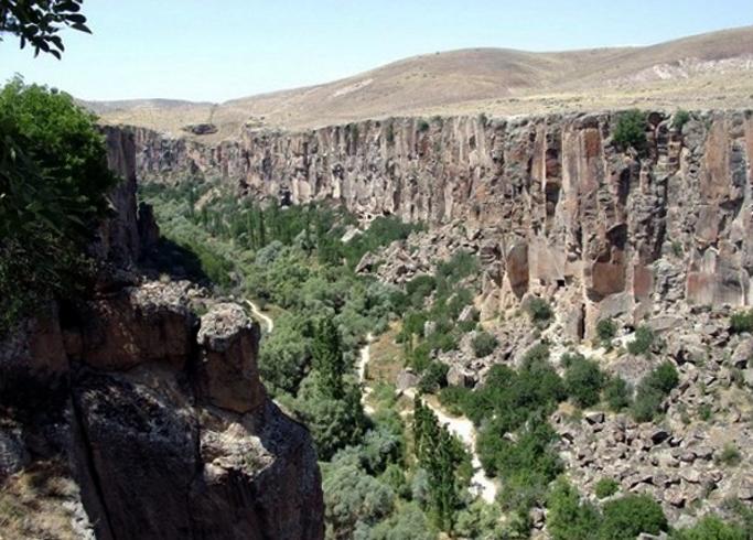 Пещерный город в долине Ихлара