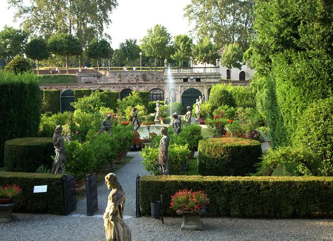 Ботанический сад в Лукке