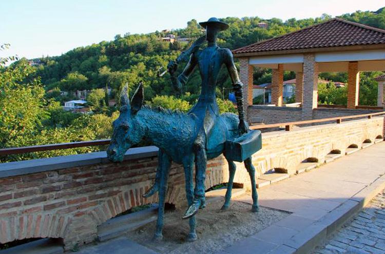 Памятник Бенджамену