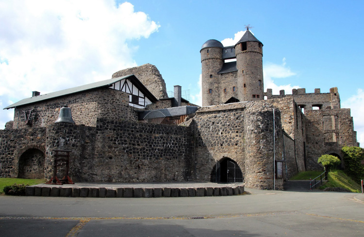 Замок Грайфенштайн