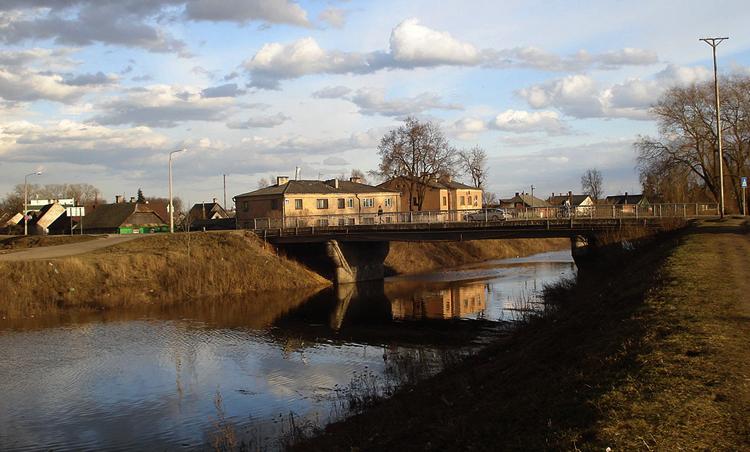Мост через Лауцесу
