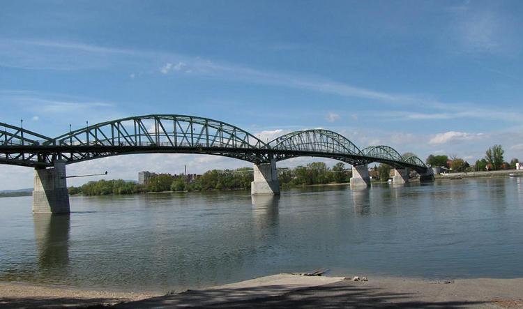 Мост Марии Валерии
