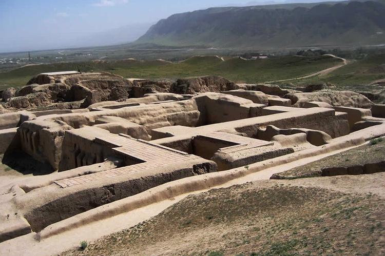 Руины города Ниса