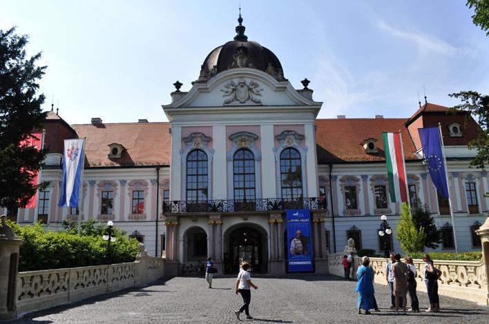 Замок венгерских королей в Гёдёллё