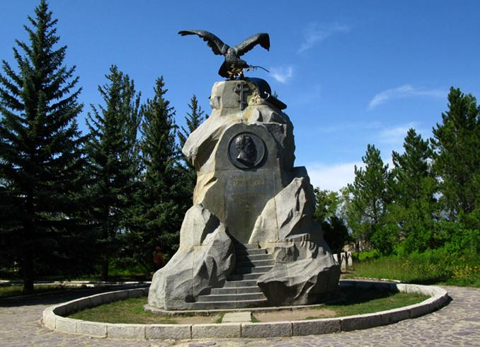 Памятник Н. М. Пржевальскому