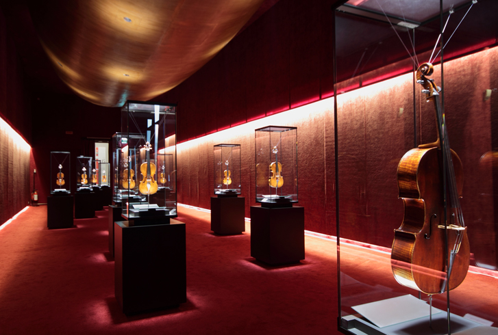 Внутри музея Страдивари