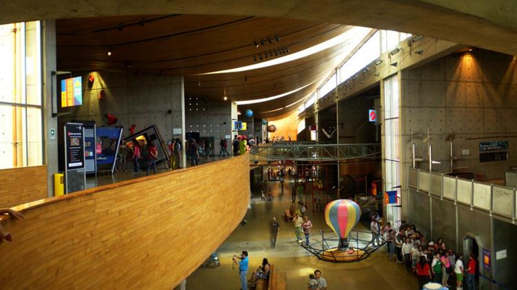 Внутри интерактивного музея