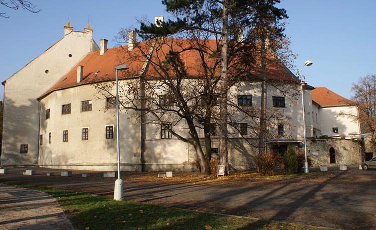 Замок Пезинок