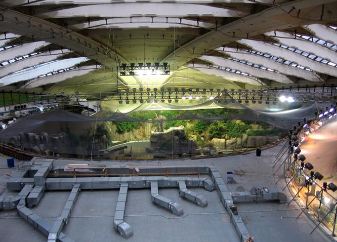 Внутри Биодома