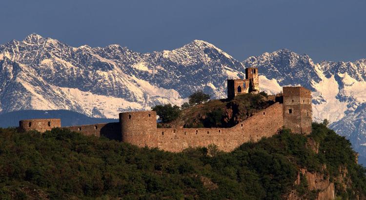Замок Фирмиано