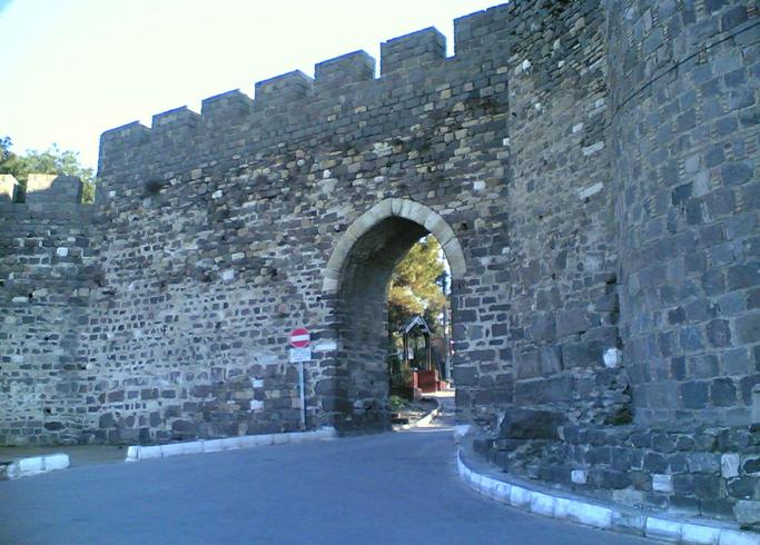 Замок Кадифекале