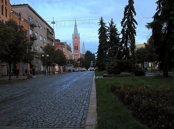 Площадь Кирилла и Мефодия