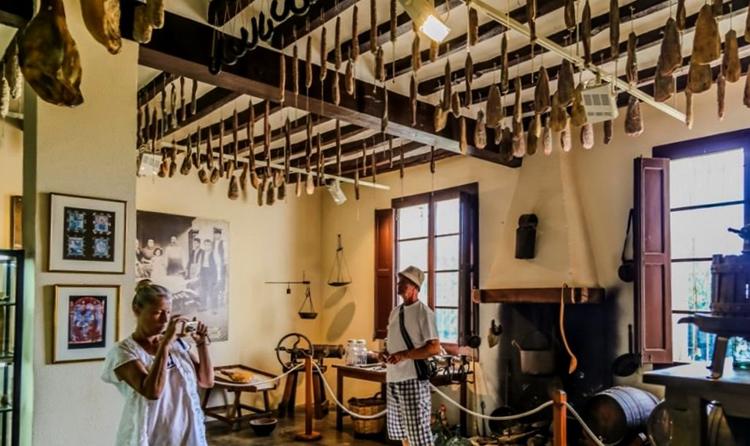 Музей сыра и копченостей