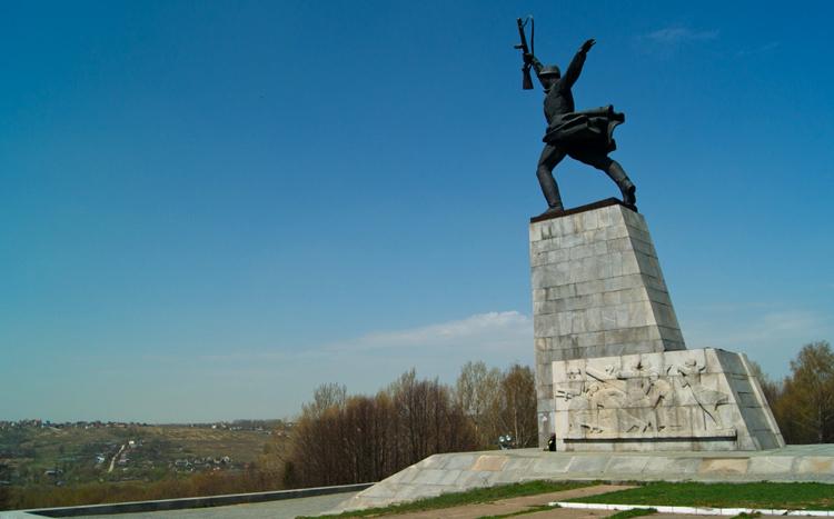 Памятник советскому воину на Перемиловской высоте