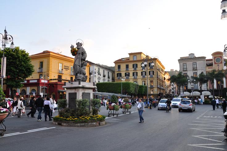 Площадь Тассо