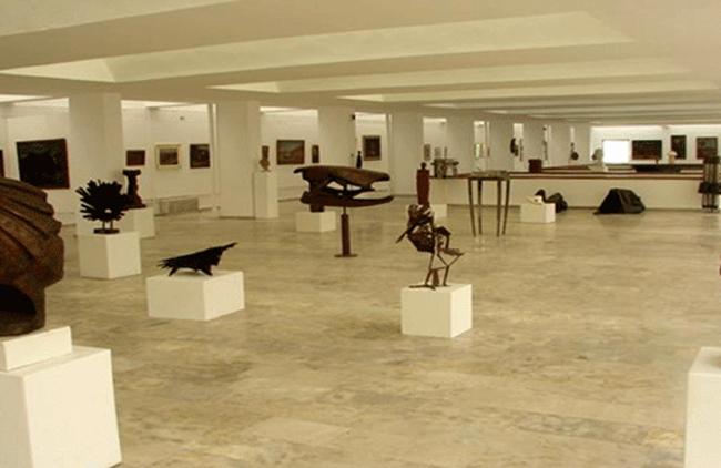 Внутри музея изобразительного искусств