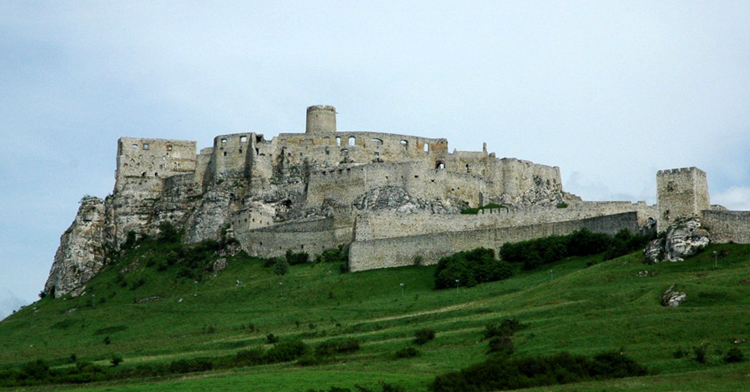 Замок Шариш