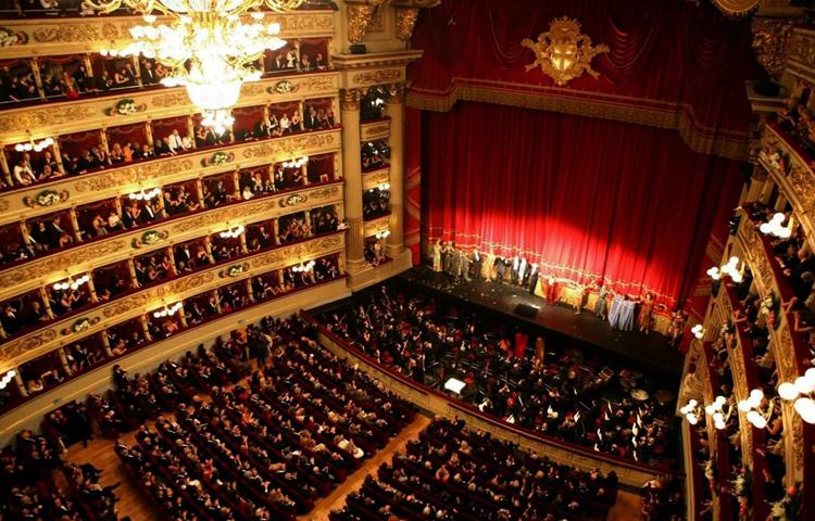 Внутри театра Ла Скала
