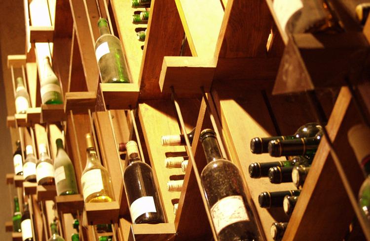 Внутри музея вина