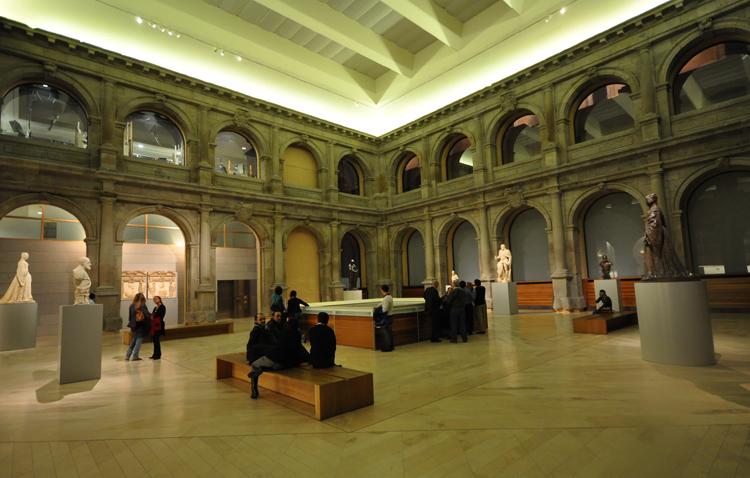 Внутри музея Прадо