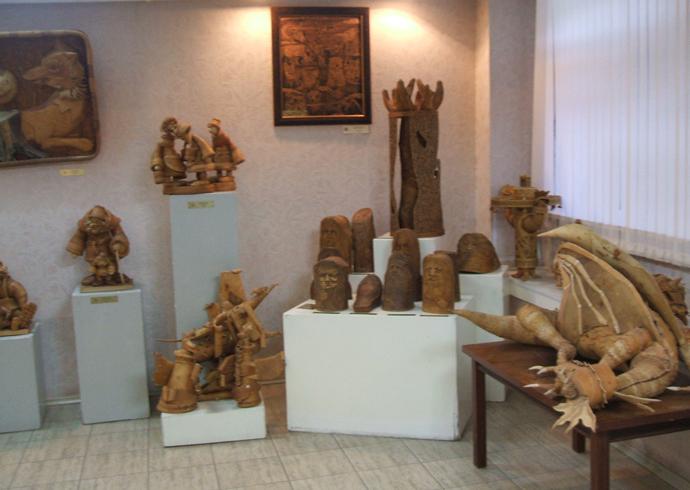 Внутри музея «Сибирская береста»