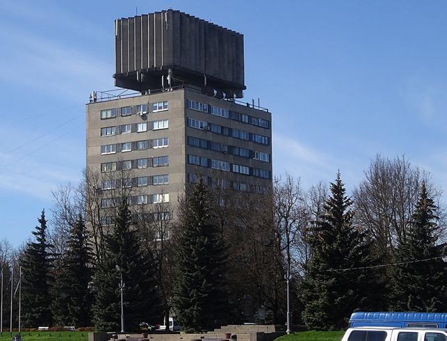 Дом с водонапорной башней