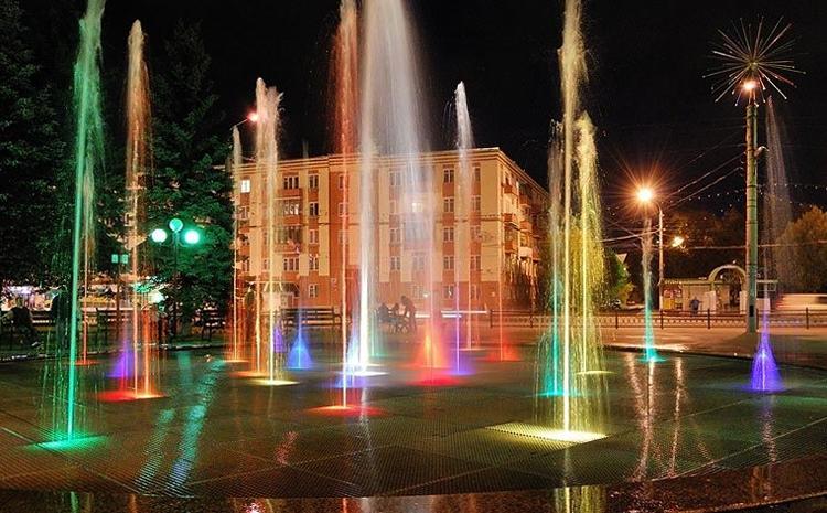 Цветной музыкальный фонтан