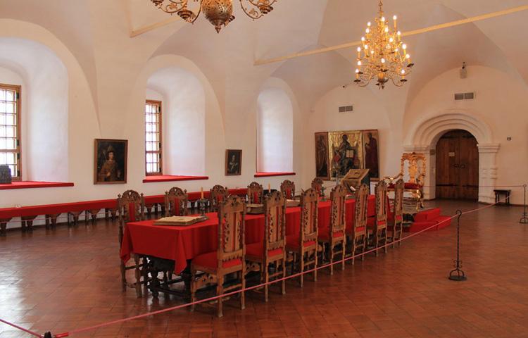 Крестовая палата