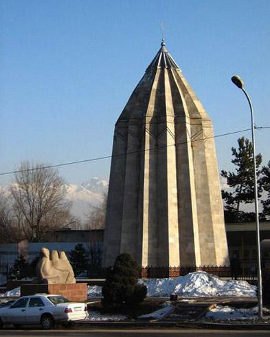 Мавзолей Райымбека Батыра