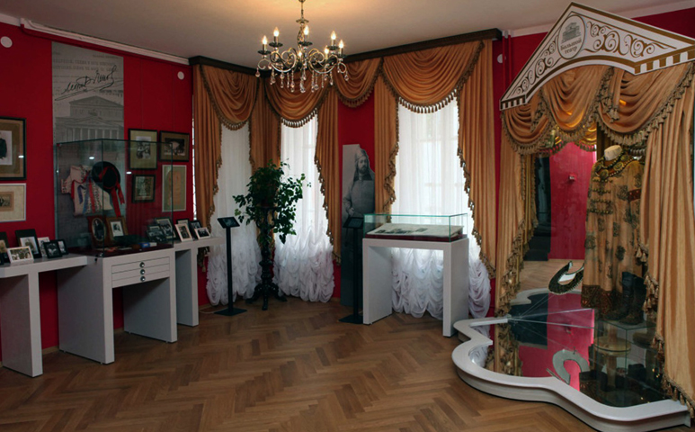 Внутри дома Сабинова